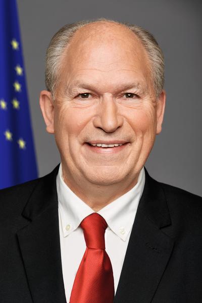 Governor Walker Headshot